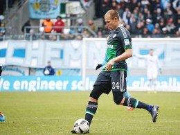 Schalke verliert in Chemnitz bei Badstubers Debüt