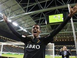 Mitspieler belegt Unterschrift: BVB holt Isak!