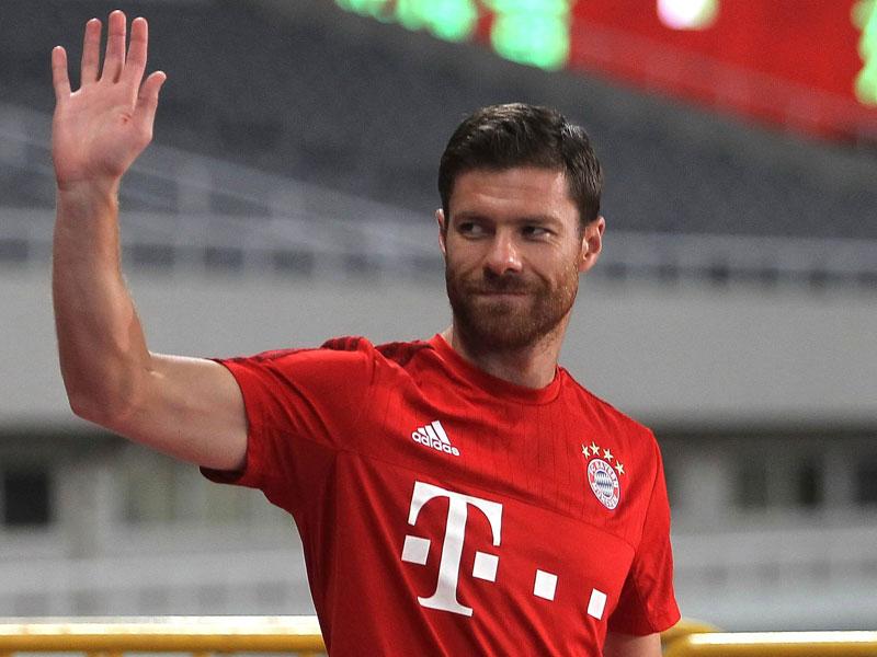 Servus Bayern Mittelfeldspieler Xabi Alonso wird seine Karriere im Sommer beenden