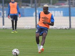 Erstes Training auf Schalke: Mendyl für Wolfsburg ein Thema?
