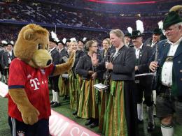 Bilder: Wiesn-Zeit in München, Tänzchen in Bremen