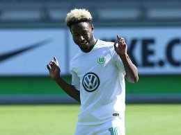Talent Yeboah dribbelt vor