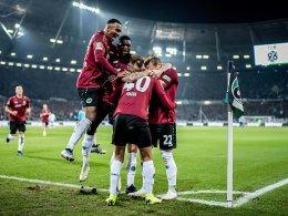 Hannover hält durch und siegt 2:1 gegen Wolfsburg