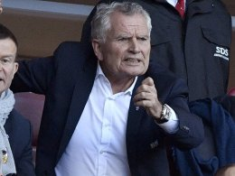 VfB-Präsident Dietrich schließt Rücktritt aus