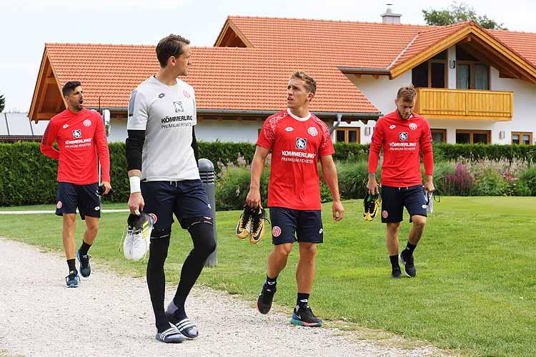Größter, Leichtester, Gröbster - 15 Bundesliga-Ausreißer