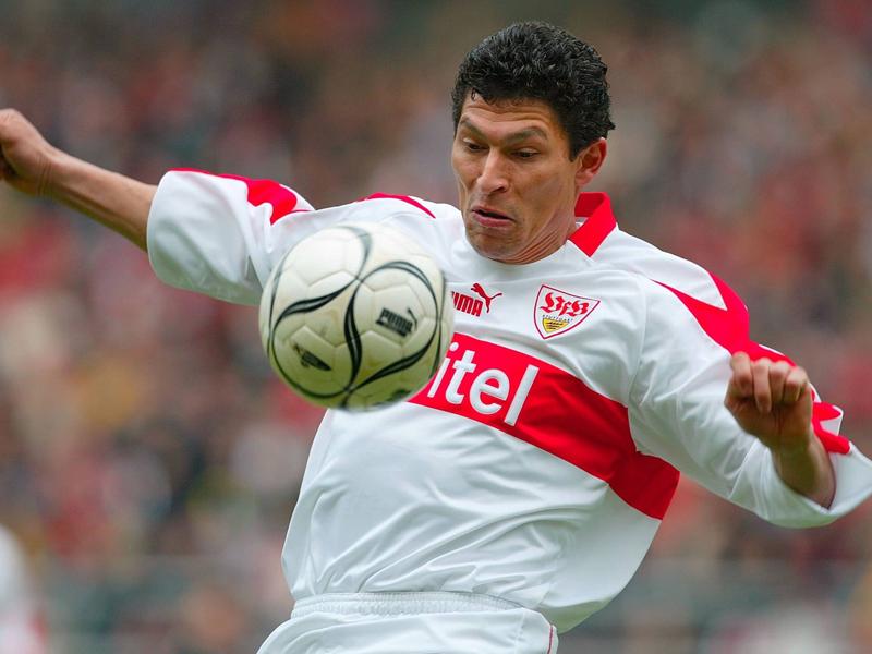 Pizarro trifft mit 40 Jahren - nur einer war älter