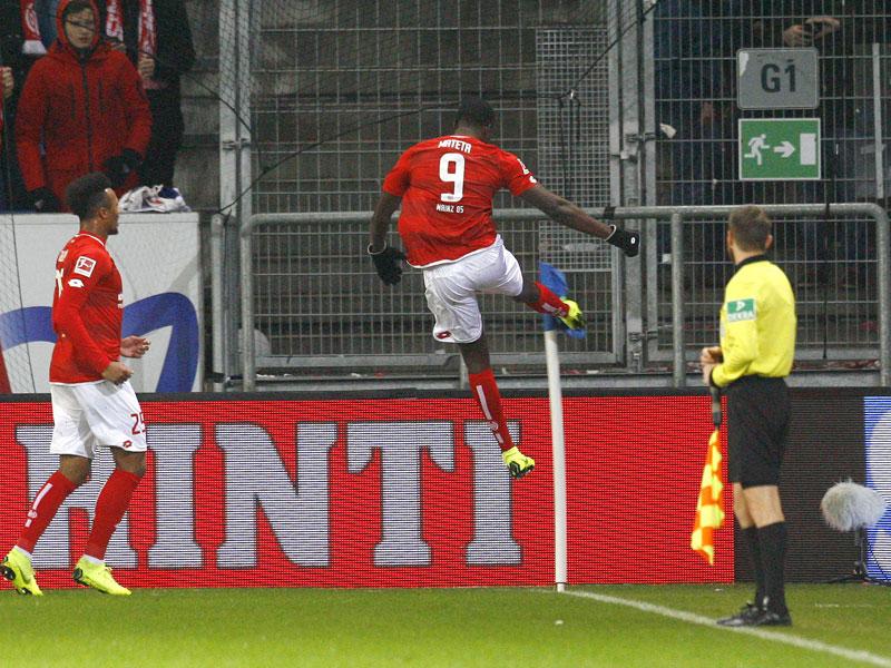 Reus fast wie Jovic - Lewandowski schießfreudig