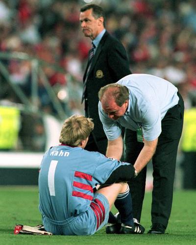 Der Manager war immer mit Rat und Tat für seine Spieler da. Nicht nur nach tragischen Niederlagen wie 1999 im Champions-League-Finale gegen Manchester United (1:2).
