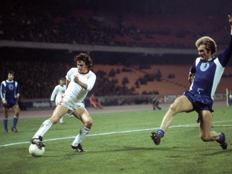 1977: Dieter Müller (1. FC Köln) - 34 Tore