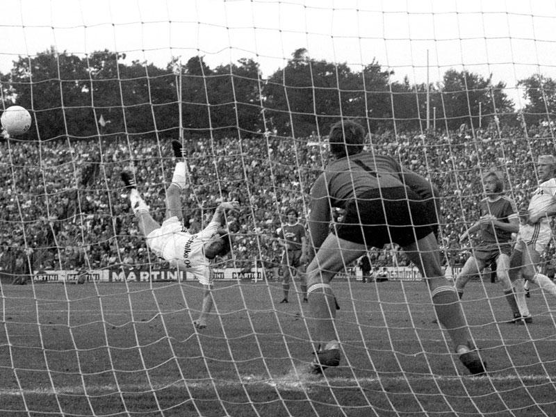 1976: Klaus Fischer (FC Schalke 04) - 29 Tore