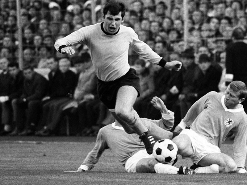 1967: Lothar Emmerich (Borussia Dortmund) - 28 Tore