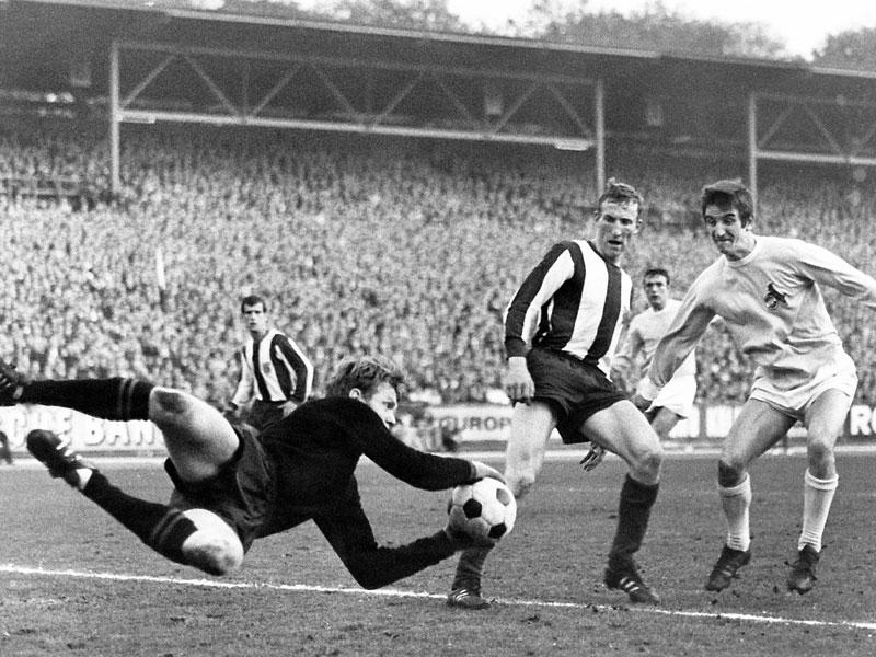 1968: Johannes Löhr (1. FC Köln) - 27 Tore