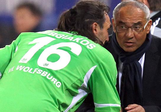 Wolfsburgs Sotirios Kyrgiakos hat sich mit VfL-Trainer Felix Magath vorerst nichts mehr zu sagen - der griechische Abwehrh�ne kehrt nach seinem Liverpool-Engagement wieder auf die Insel zur�ck. Der 32-J�hrige wird an den AFC Sunderland ausgeliehen.