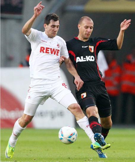 Mehr als nur ein Zweikampf: F�r K�ln und Augsburg geht es am Samstag ums Ganze. Nachdem Augsburg seine erste Bundesligasaison spielt, gibt es in dieser Begegung keine Tradition. Trotzdem kennen sich die Teams schon - und zwar aus der Zweiten Liga. Hier kam der FCA nie �ber ein Unentschieden hinaus, daf�r klappte das aber im DFB-Pokal: 2010 gewannen sie gegen die K�lner mit 2:0 im Viertelfinale. Im Halbfinale schied Augsburg allerdings nach einem 0:2 gegen Bremen aus.