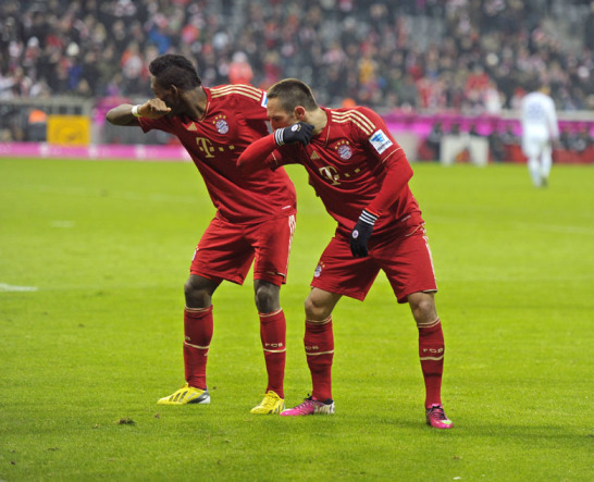 David Alaba und Franck Ribery jubeln gegen Schalke