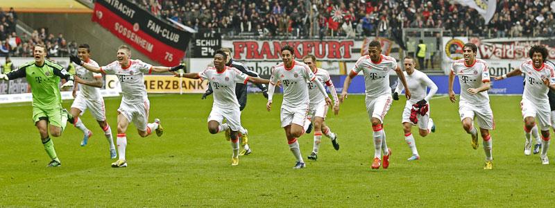 Der FC Bayern nahm fast drei Jahre Anlauf, bis der 23. meistertitel unter Dach und Fach war. Louis van Gaal holte 2010 mit den Münchnern das Double.