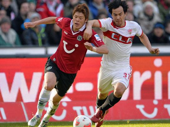 Sakai (l.) vs. Okazaki