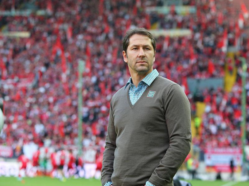 Angespannt zeigte sich Kaiserslauterns Trainer Franco Foda vor der Partie.