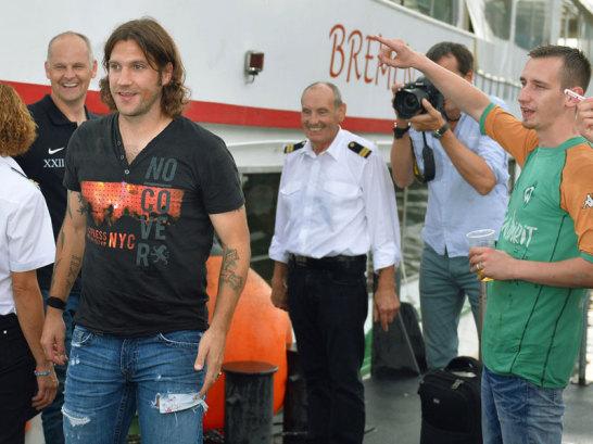 Torsten Frings nach seiner Ankunft am F�hranleger des Weserstadions.