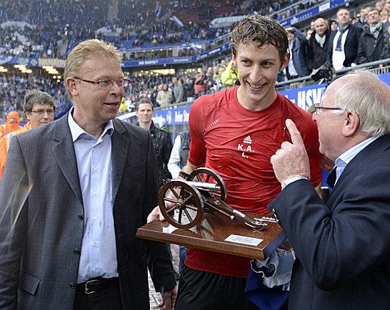 Stefan Kie�ling mit kicker-Chefreporter Oliver Hartmann (l.) und HSV-Legende Uwe Seeler