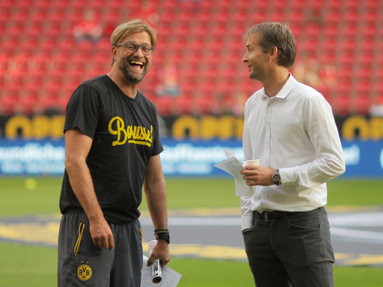 Der BVB empfing Mainz im Oberhaus achtmal und verlor kein Spiel. Es gibt keinen aktuellen Erstligisten, der neunmal in Dortmund gastierte, ohne zu gewinnen. F�r Trainer J�rgen Klopp (li.) ist es zudem ein Wiedersehen mit seinem Ex-Klub.