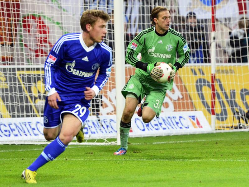 17 Jahr' . . . - Schalkes minderj�hrige Deb�tanten
