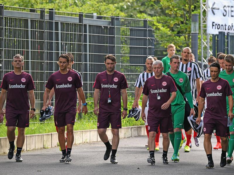 Schweiß,Wasser, Spaß: Eintracht Frankfurt legt los