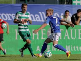Schalke siegt nach spektakulärem 40-Meter-Eigentor