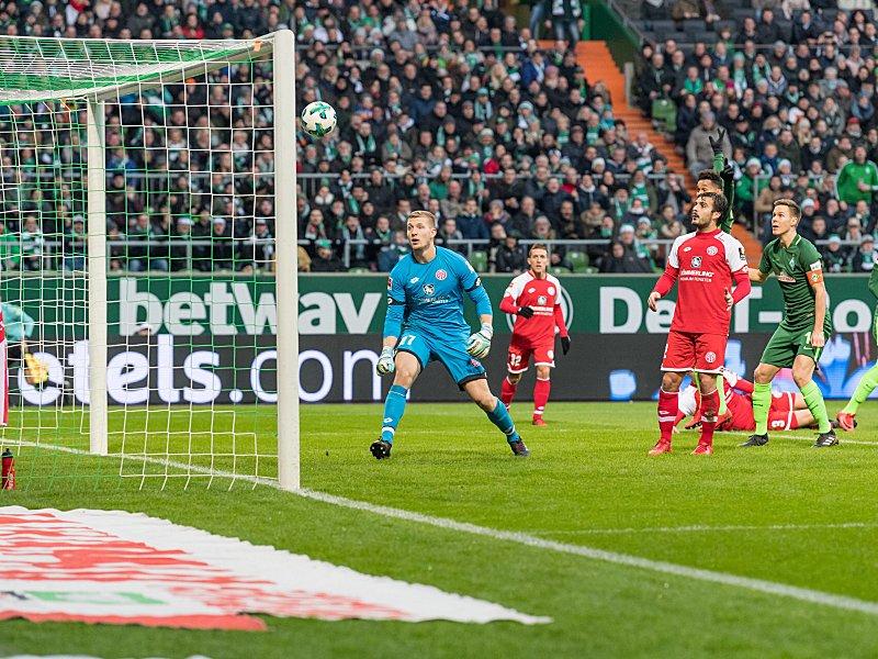Gleich klingelt's: FSV-Keeper Zentner schaut dem Ball bei Belfodils 2:0 hinterher.