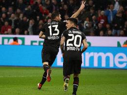Alario und Brandt schnüren den Bayer-Dreier