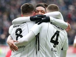 Müllers Fauxpas bringt Eintracht früh auf Kurs
