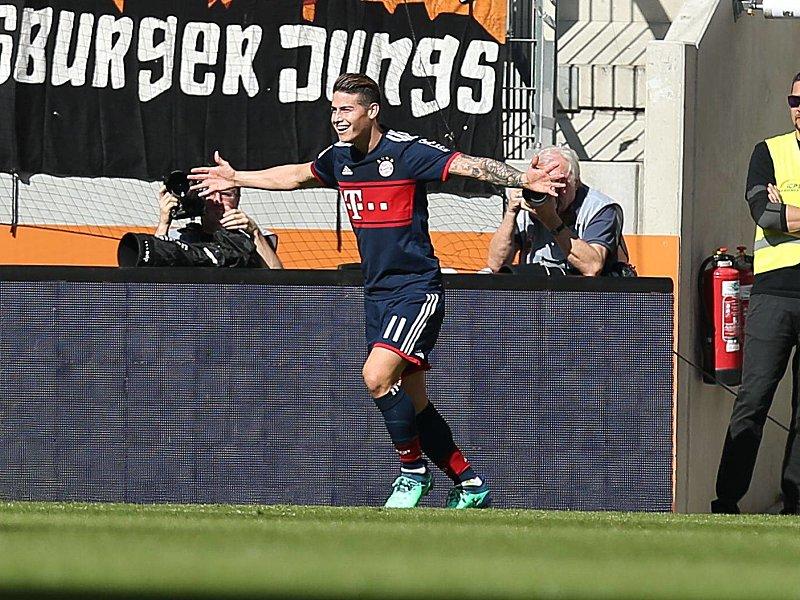 Siegerlächeln: James bejubelt sein soeben erzieltes 2:1.