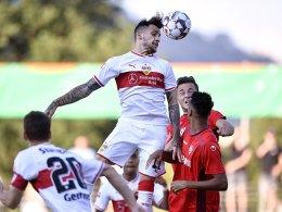 Vier VfB-Torschützen an der Reutlinger Kreuzeiche
