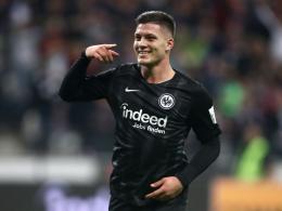 Jovic führt Frankfurt gegen Schalke zum Sieg