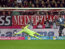 Doppeltes Elfmeterglück: Bayern trotz Mai-Aussetzer im Finale