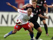 Hamburgs de Jong gegen Bayern-Torjäger Klose