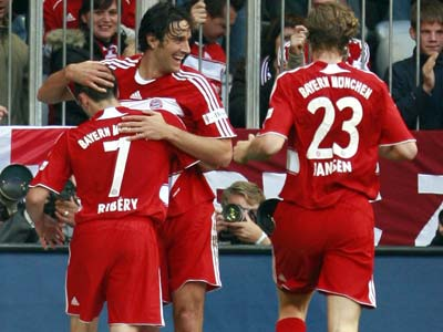 Ribéry, Toni und Jansen bejubeln einen Bayern-Treffer