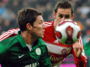 Van der Heyden hat Klose im Nacken