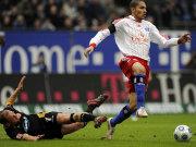 Energie-Kapitän Timo Rost am Boden, Paulo Guerrero obenauf