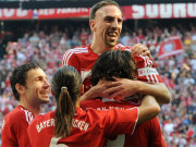 Fußball, Bundesliga: Franck Ribery brachte die Bayern früh auf die Siegerstraße.