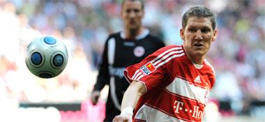 Fußball, Bundesliga: Bastian Schweinsteiger legte auf und traf.