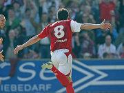 Jubel nach dem 1:0 für Cottbus: Dimitar Rangelov