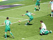 Misimovic erzielt das 1:0.