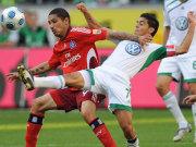 Guerrero gegen VfL-Kapitän Josué