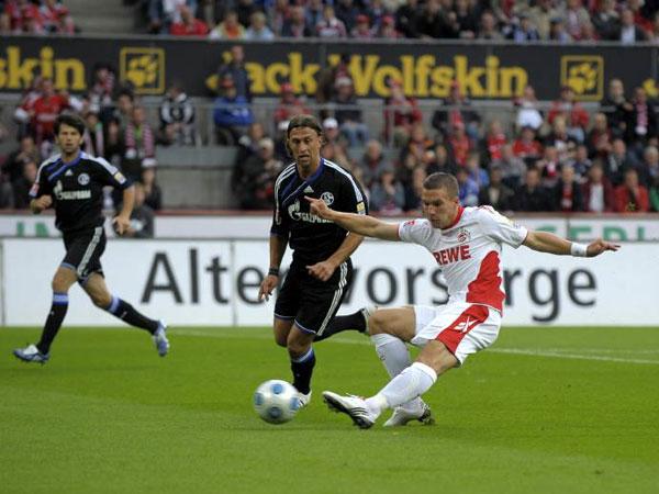 Podolski trifft zum Ausgleich, Bordon kommt zu spät