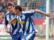 Da war die Bochumer Welt noch in Ordnung: Azaouagh und Dabrowski bejubeln das 1:0.