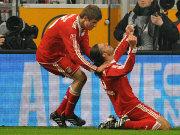 Torschütze Demichelis (re.) und Müller bejubeln das 1:0.