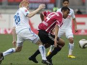 Ibertsberger (Hoffenheim, li.) gegen FCN-Angreifer Choupo-Moting