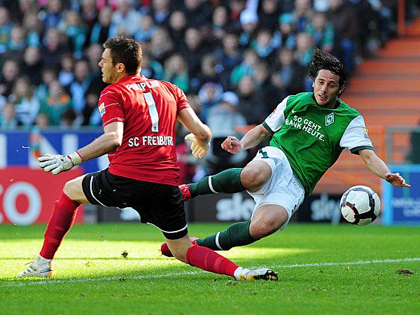 Pizarro trifft gegen Pouplin zum 1:0