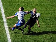 Schalkes Kluge (re.) setzt sich gegen Cicero durch.